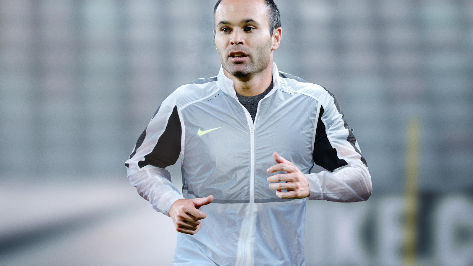 cheap for discount 0f8d2 dee3e Cristiano Ronaldo training in the Revolution Jacket. Iniesta