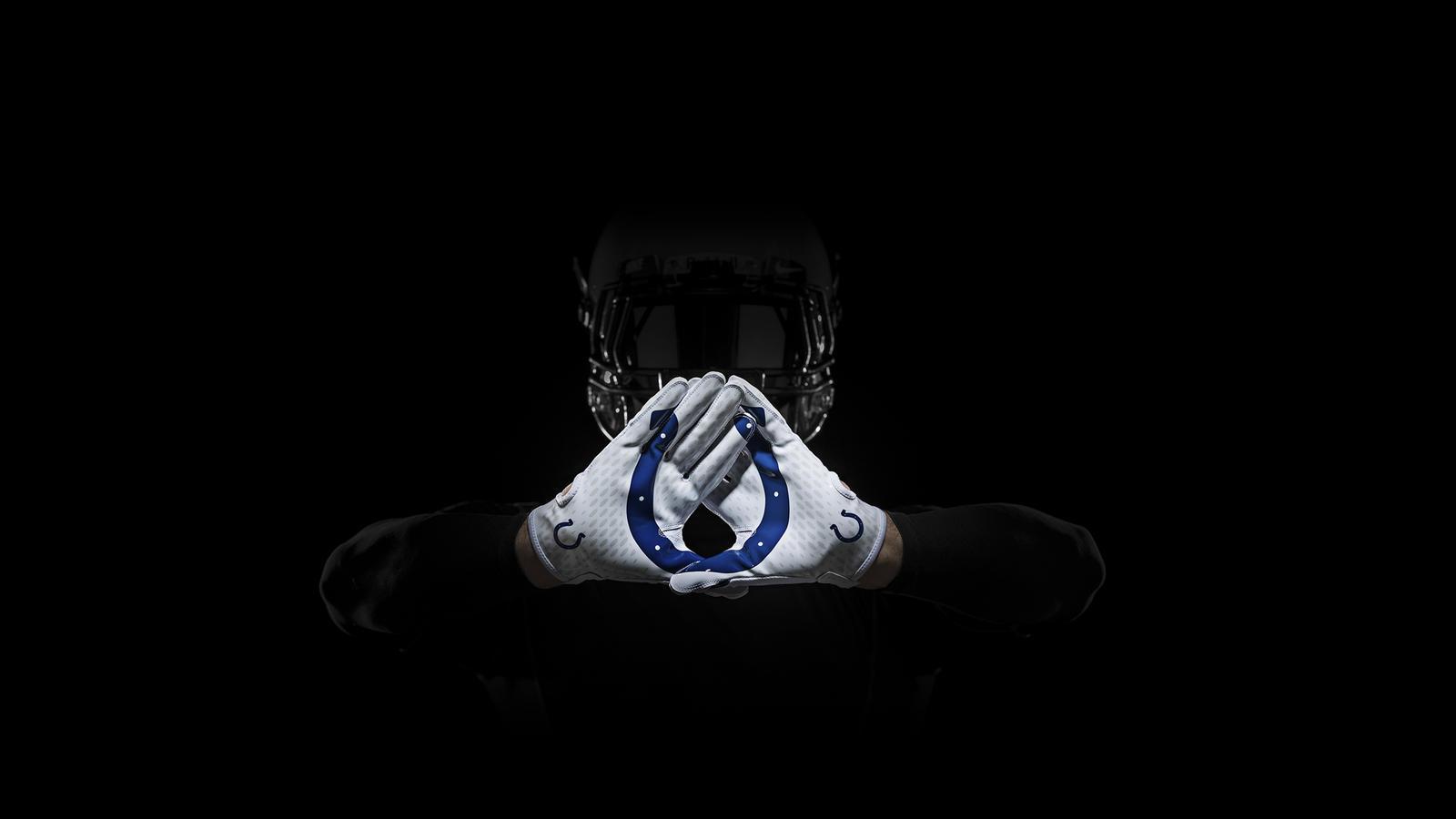 SP14_NFL_SB_TeamGloves_Hands_Colts