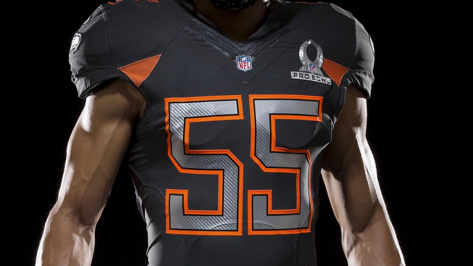 SP14_NFL_SB_TeamUni_NFC_4678_PR_crop_1