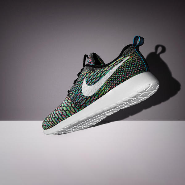 Sp15_NSW_Roshe_Flyknit_W_Grey_White_06_original_porto (20)