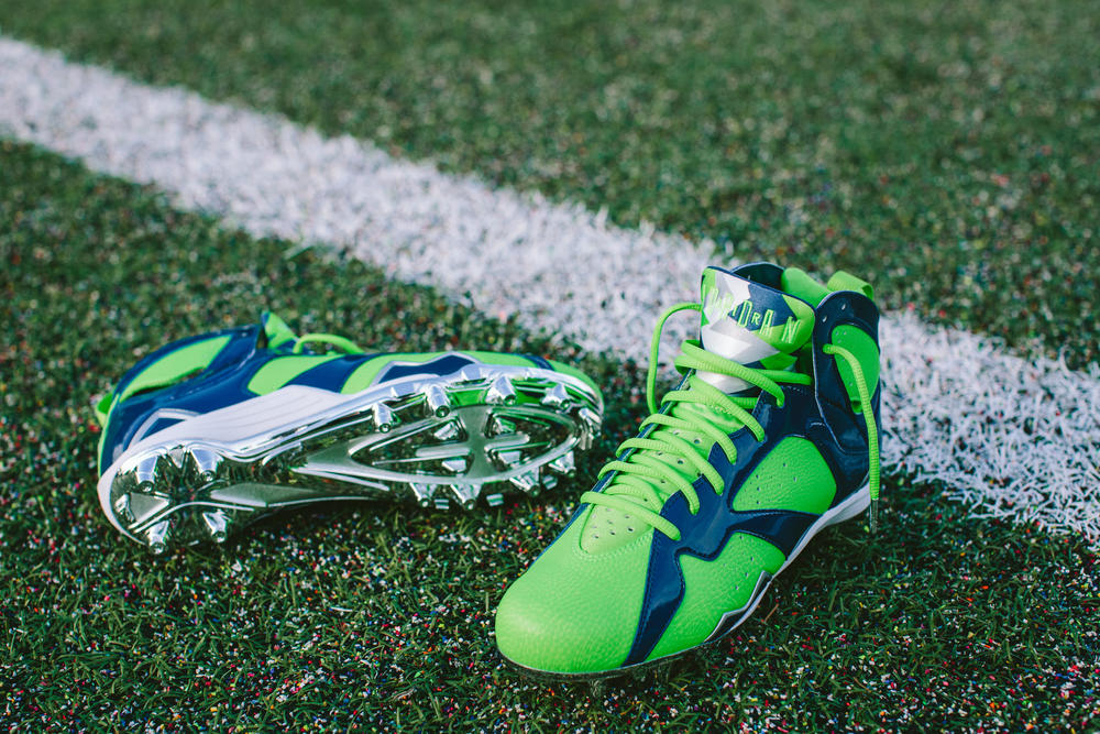 Earl Thomas Unveils Air Jordan VII Cleat During His Second Championship Journey