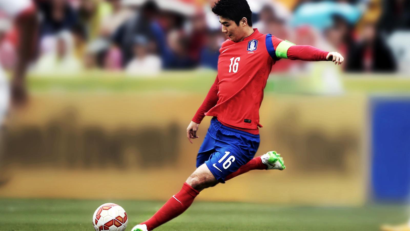Korean National Team Player: SungYueng-Ki