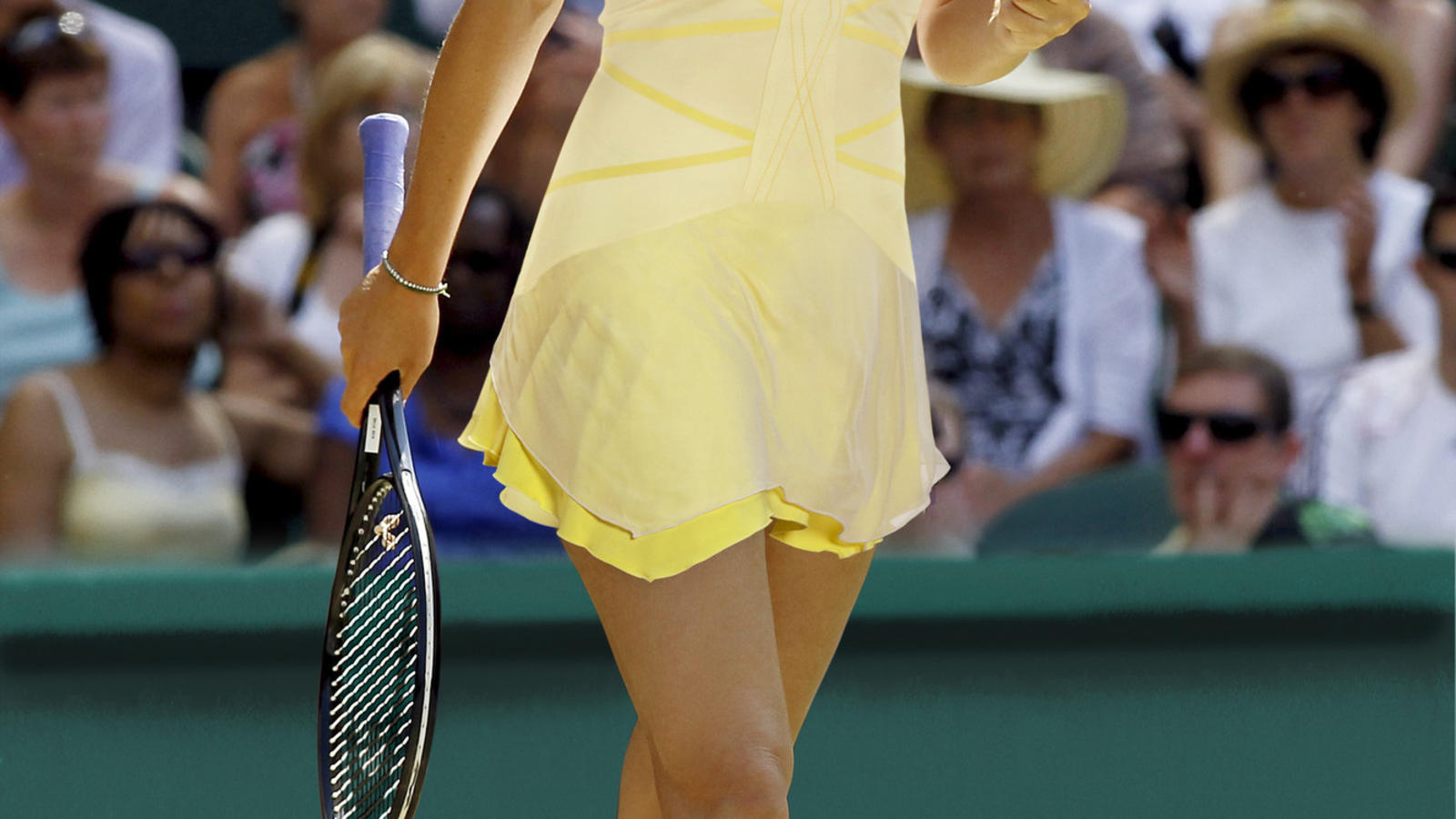 Maria_Sharapova_French_2011_01