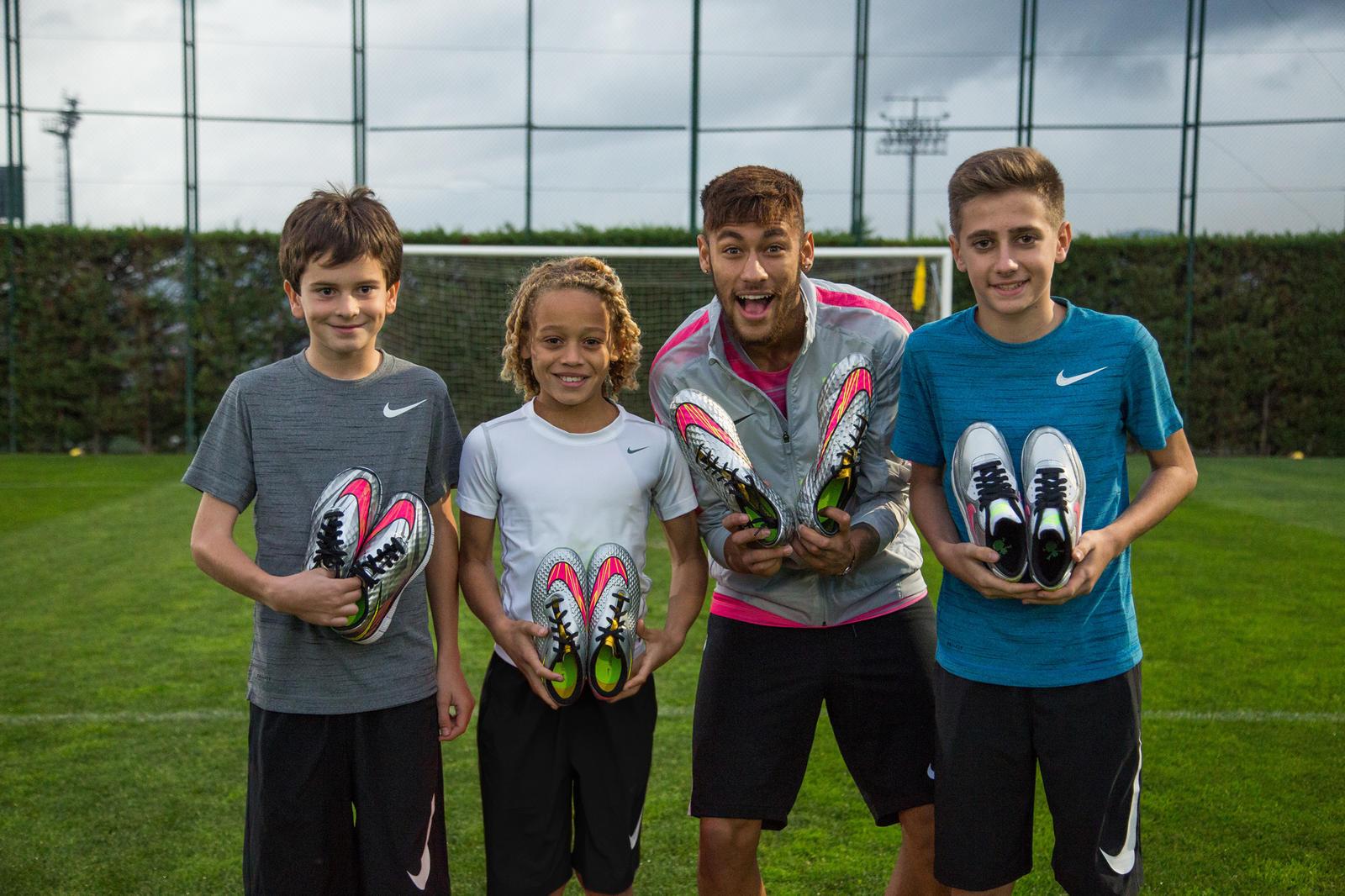 Neymar Jr. Inspires Young Footballers