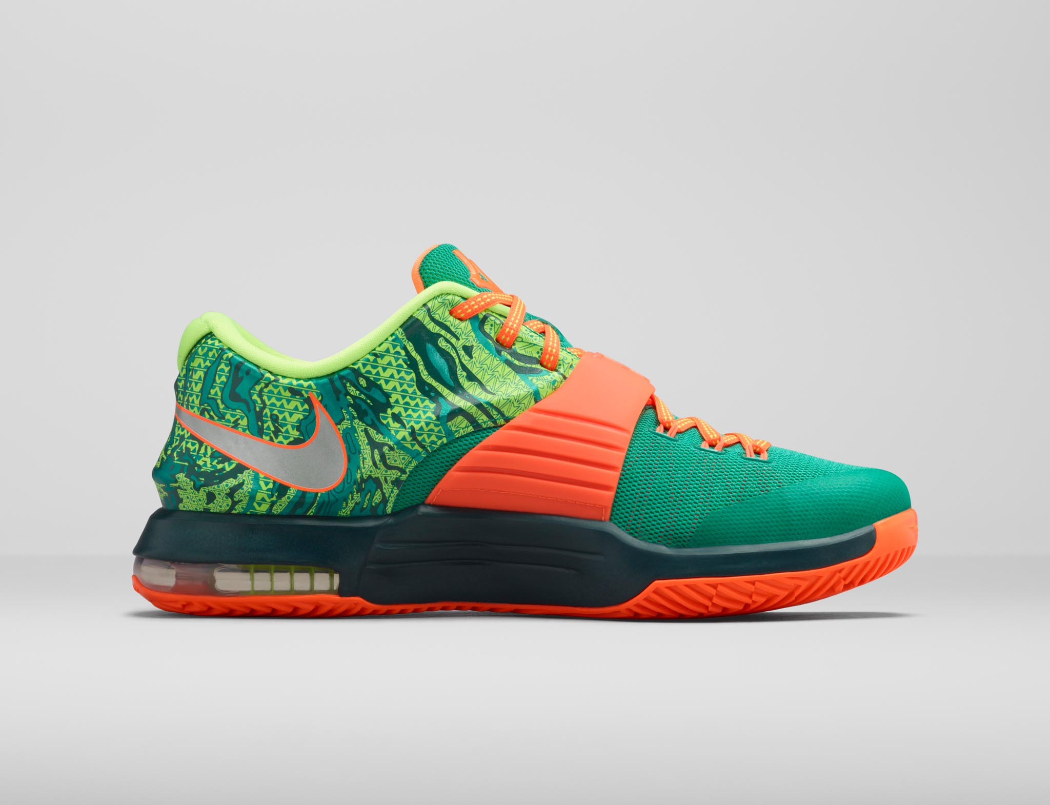 new style ebf51 50c07 ... low price kd7 weatherman shoe brings heat to the forecast nike news  a9cfc bd108
