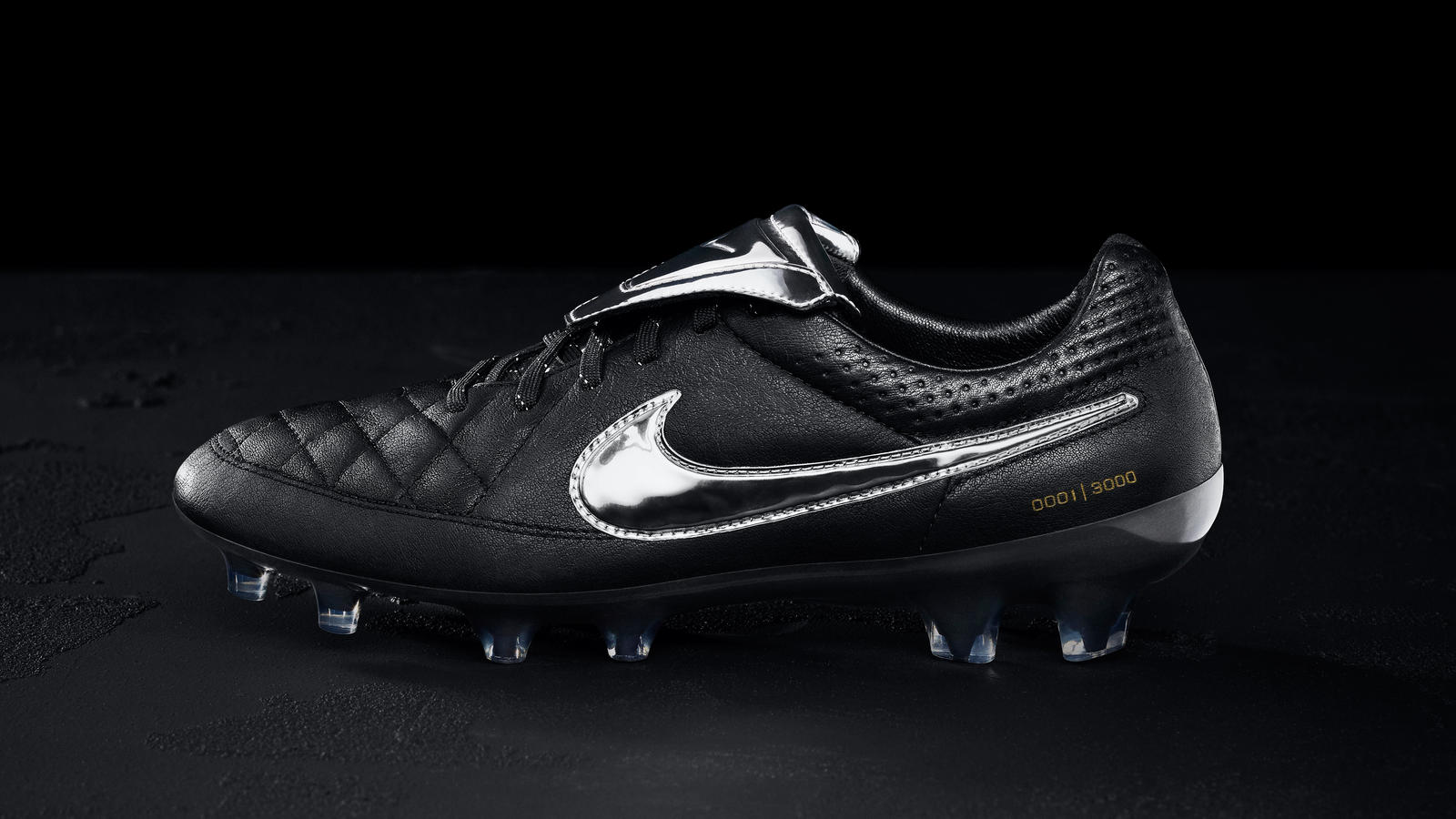 064d5523f933 One legend deserves another  Nike Tiempo Legend V Premium - Nike News