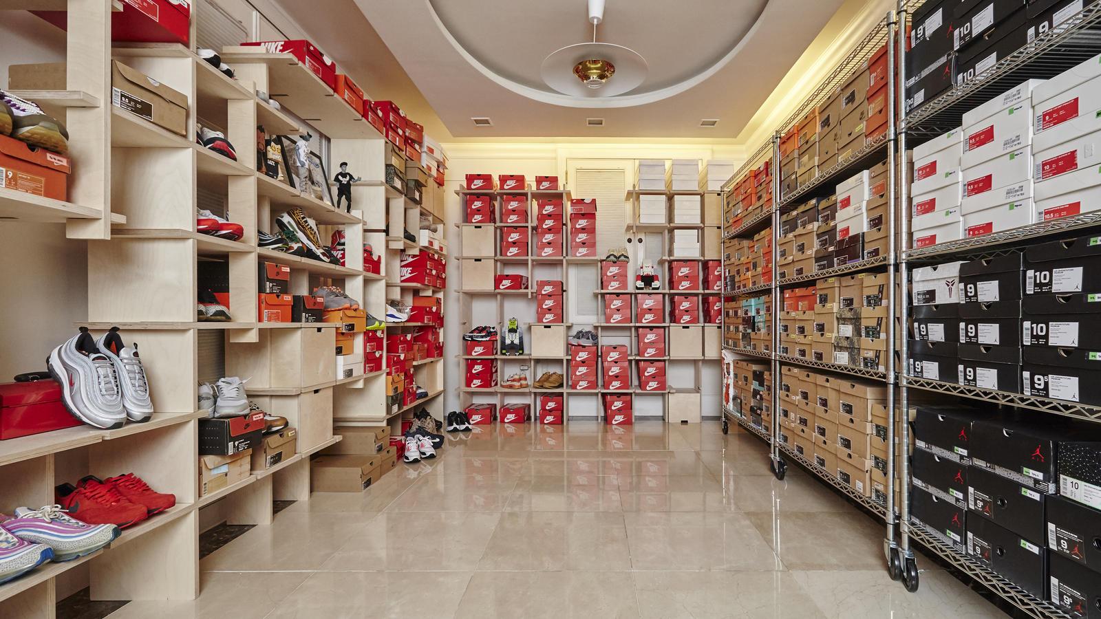 Ordinaire Hae Jin Parku0027s Sneaker Closet