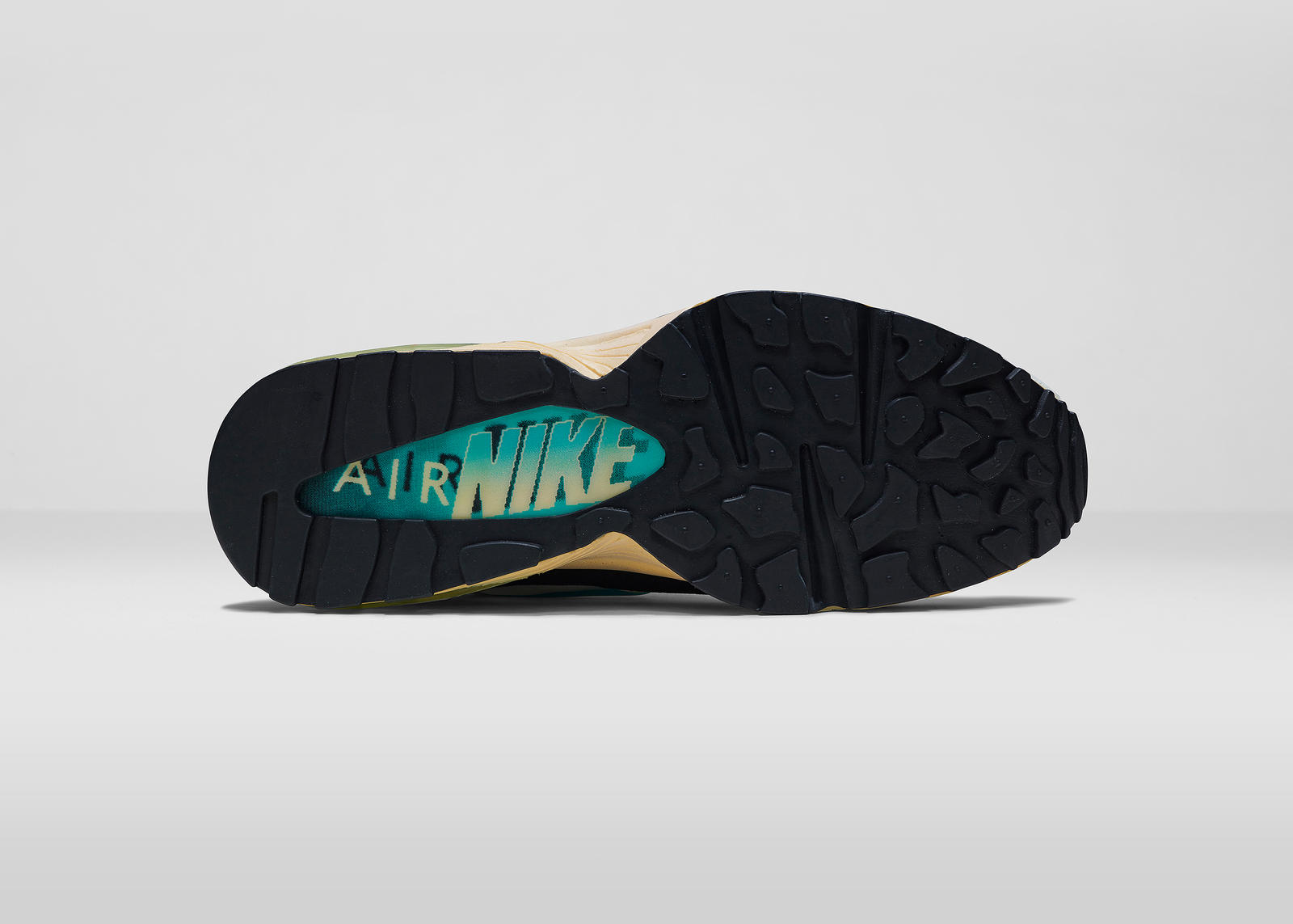 Nike_AirMaxDay_2015_1993_OUT
