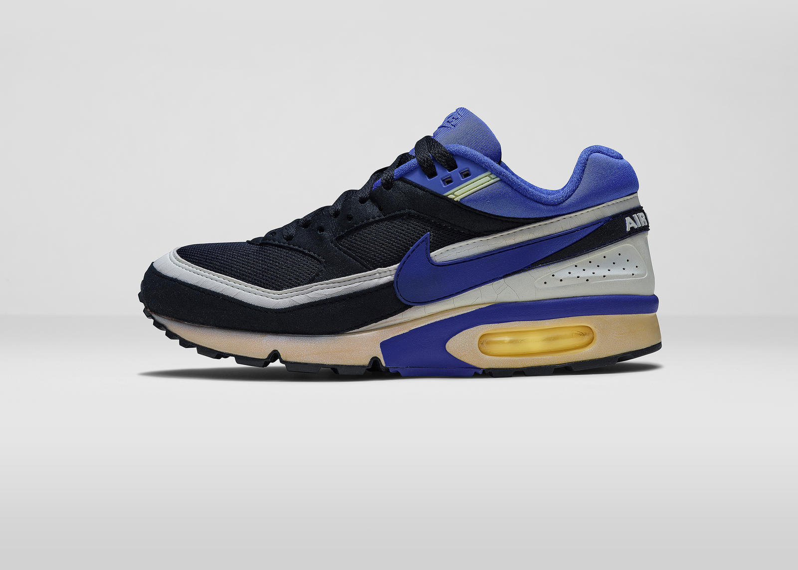 cheap for discount d68d1 7f57f Air Max BW (1991). NikeAirMaxDay2015BWLAT. NikeAirMaxDay2015BWOUT