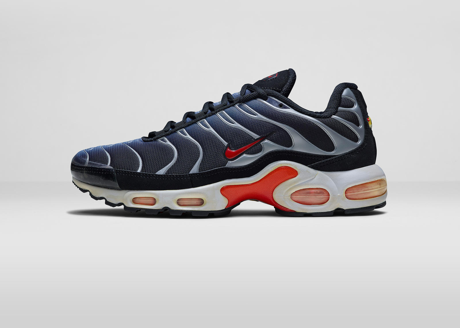 finest selection 9b39e c40d2 Air Max Plus (1998). Nike AirMaxDay 2015 15778 LAT.  Nike AirMaxDay 2015 15778 OUT