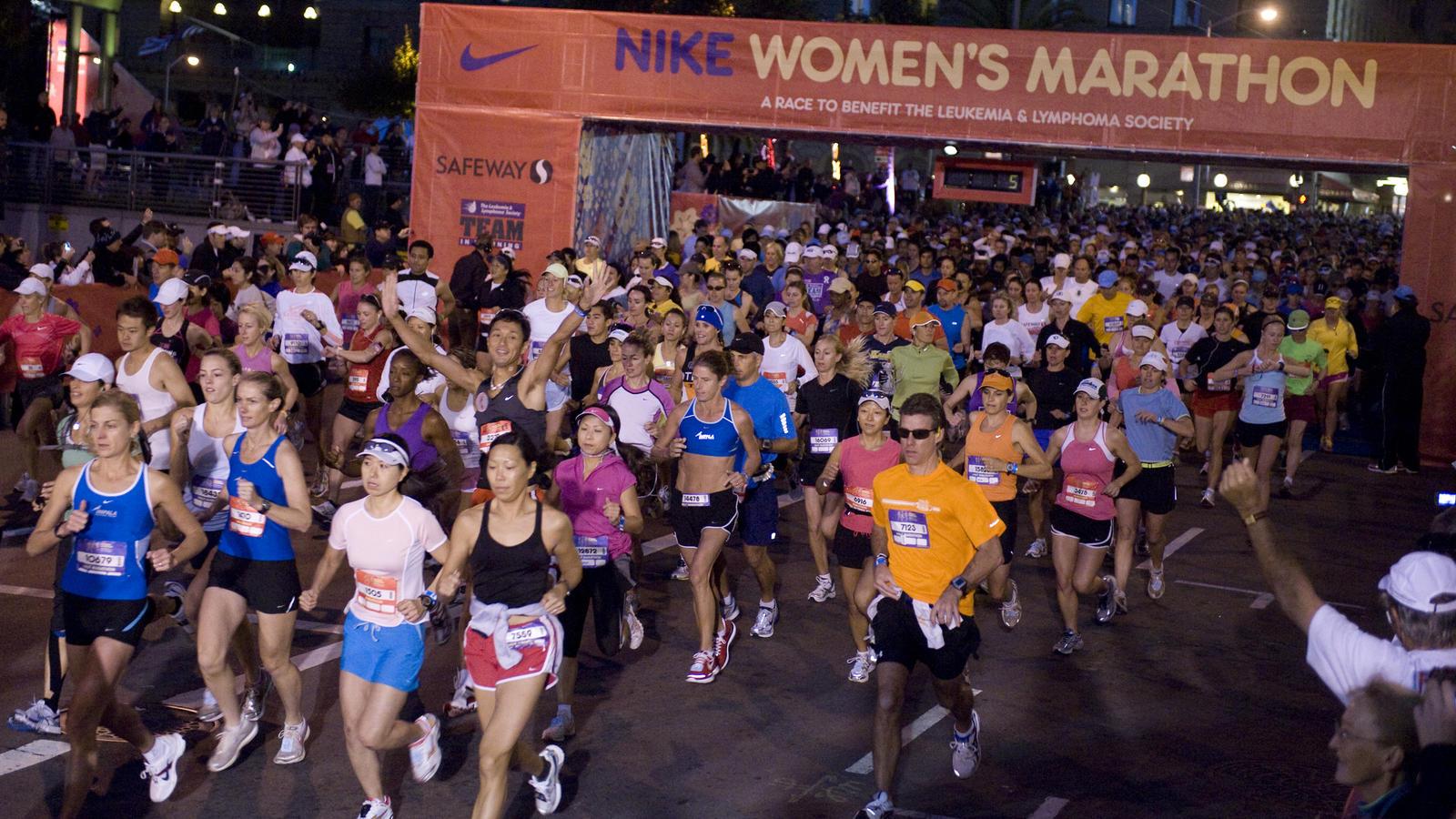 6728ed586 20,000 runners complete Nike Women's Marathon - Nike News