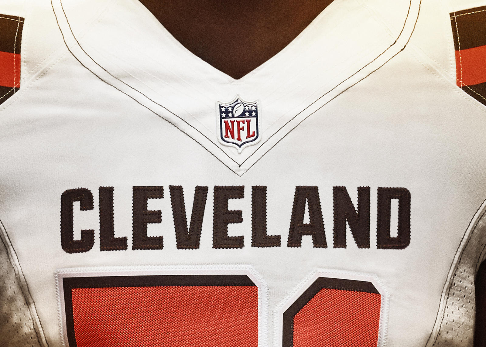 Nike_Cleveland_Detail16x9_Front_Away_B