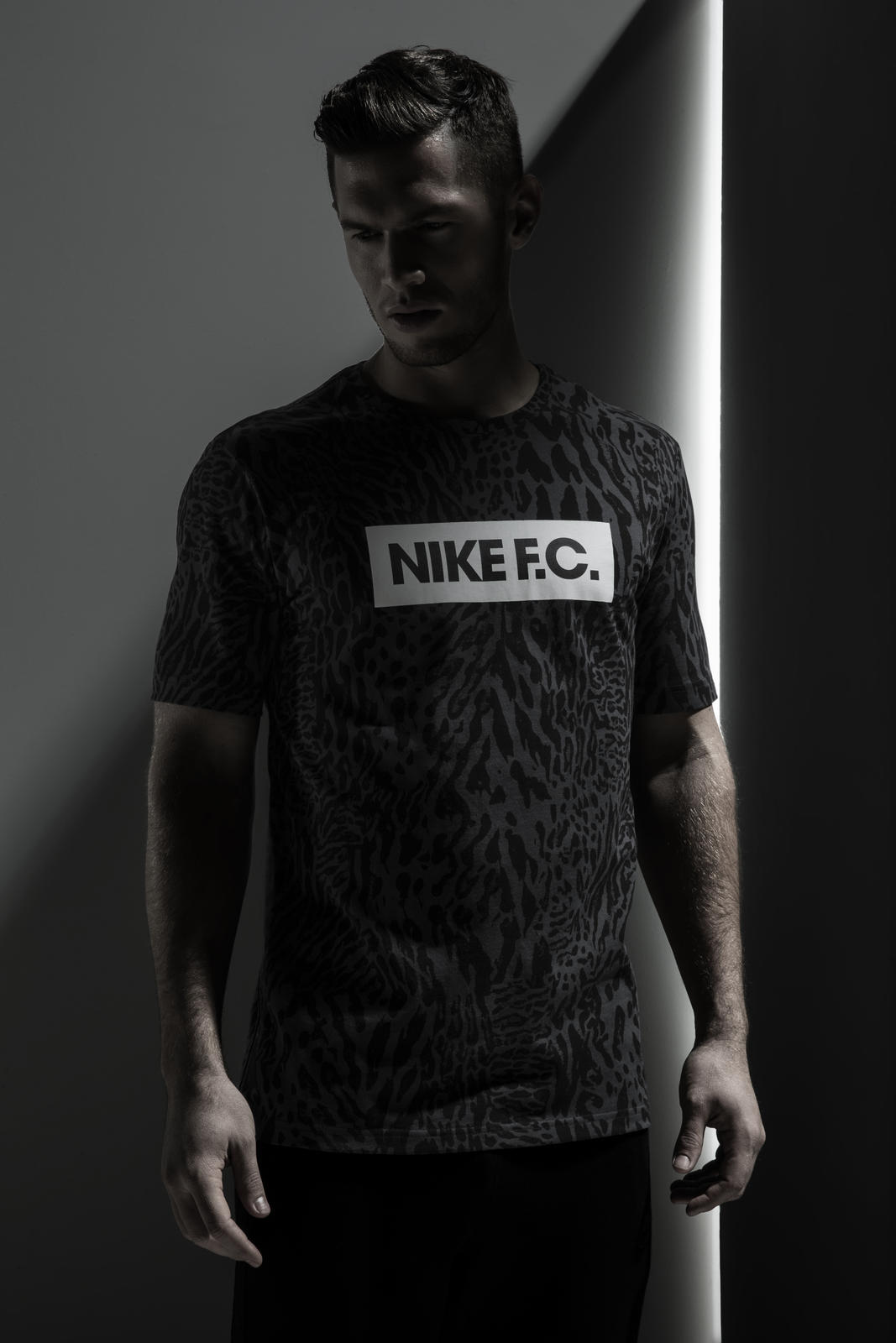 Su15_NSW_NikeFC_Glory_Tee_02