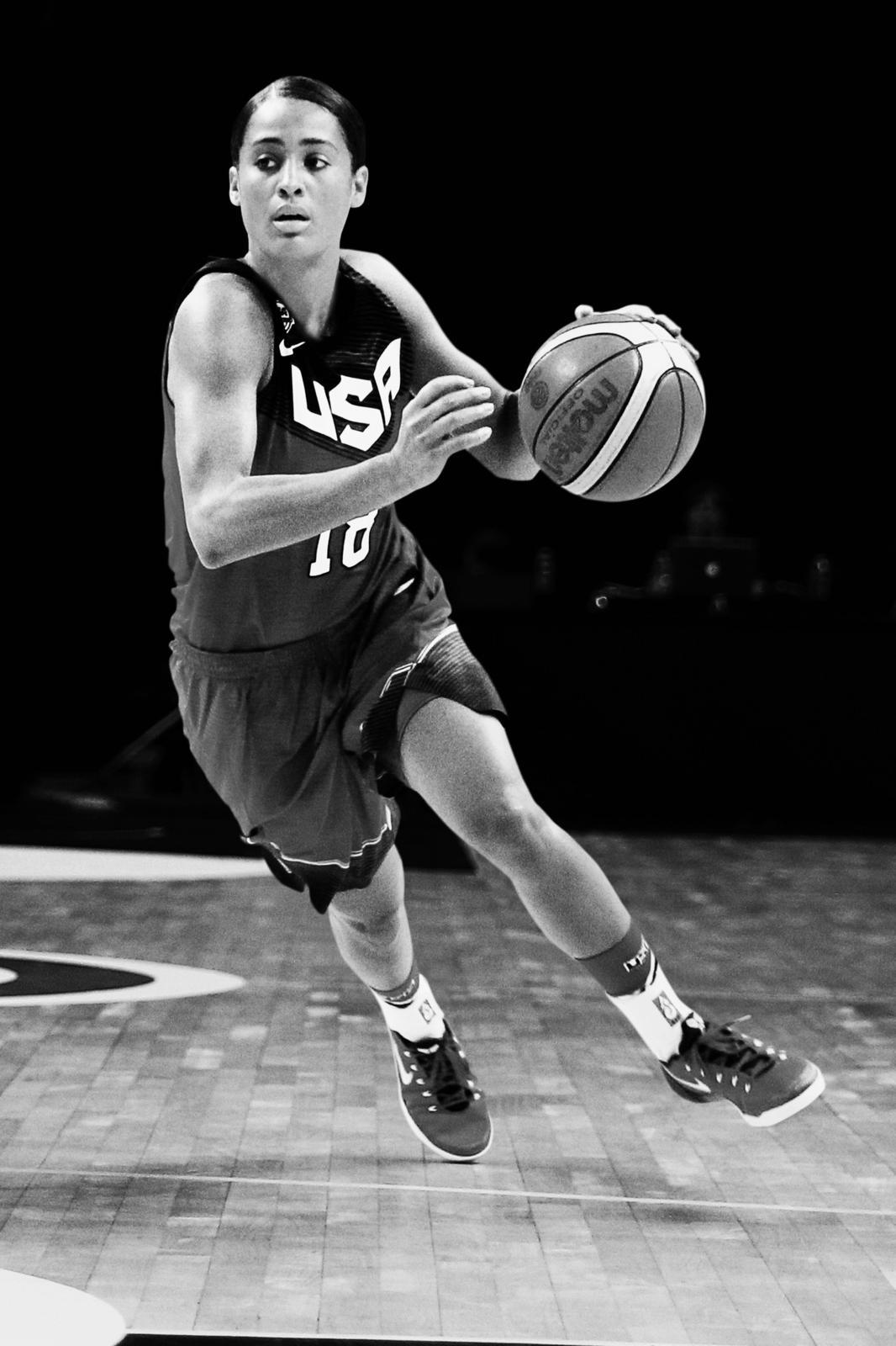 Nike_Skylar Diggins_On Court
