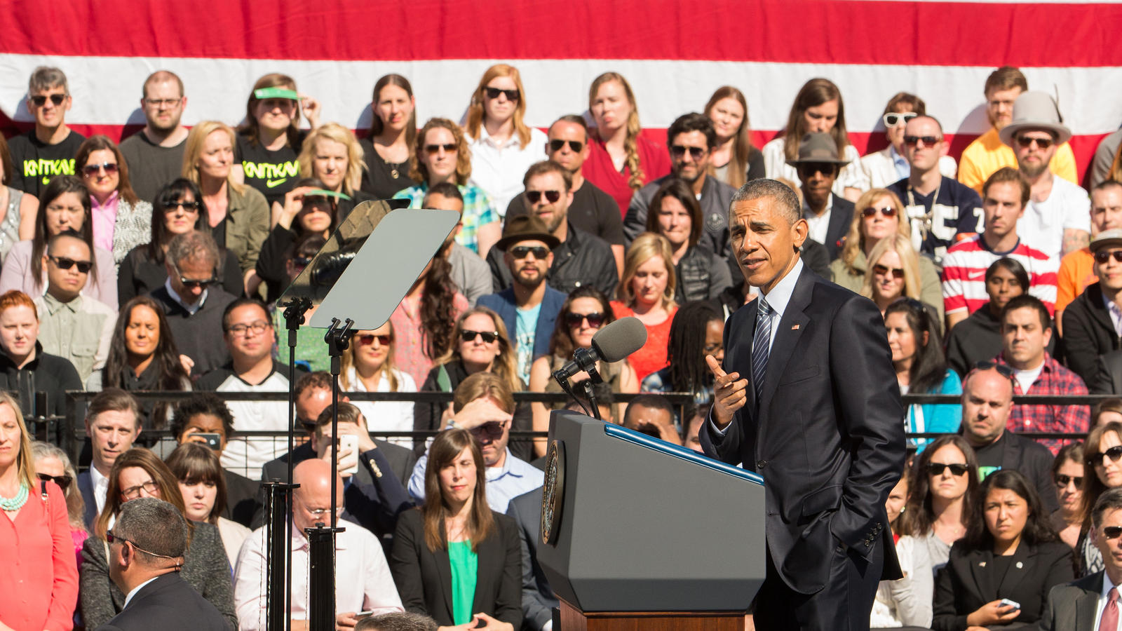 President-Obama-Visits-Nike-WHQ-7