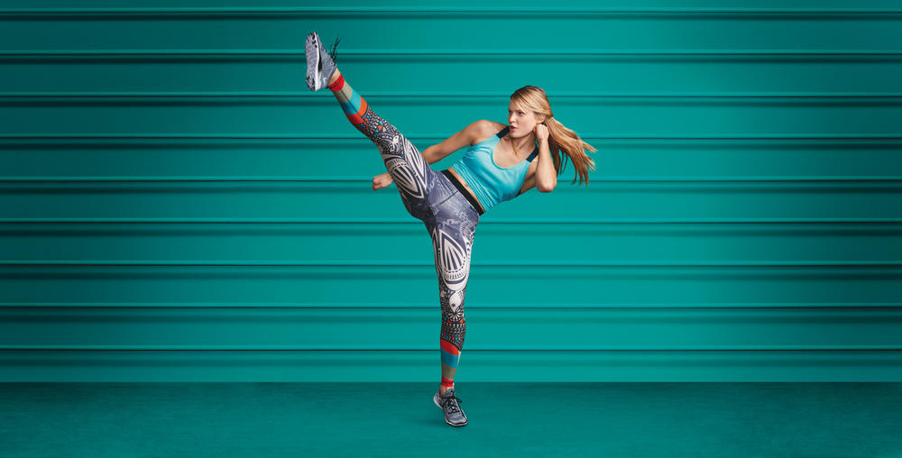 Nike Tight of the Moment Destaca Design Escandinavo