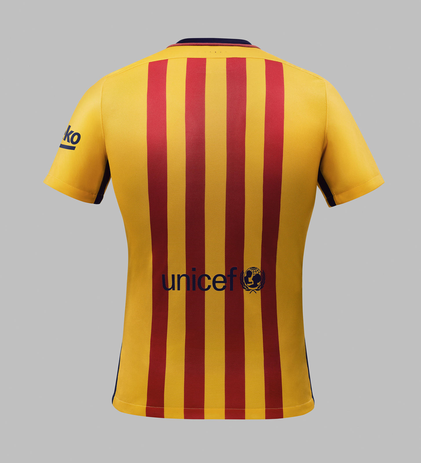 Nike%20 Su15%20 Fcb%20 Club%20 Kit%20 Yellow 078 Hfr1
