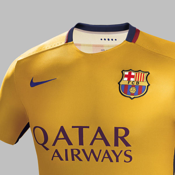 Fa15 Club Kits Pr Match Crest A Barcelona R Neck Hfr1