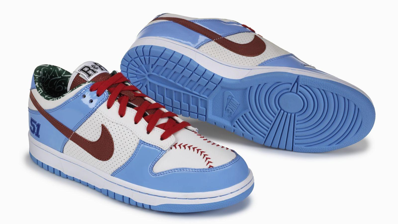 Ricky Rudd, 2007 Dunk Low: Baseball-stitched vamp on the right shoe and football-inspired tip on the left shoe; and a call-out to his favorite number 7 on the ankle of the left shoe, white reflective perforation on left lateral quarter