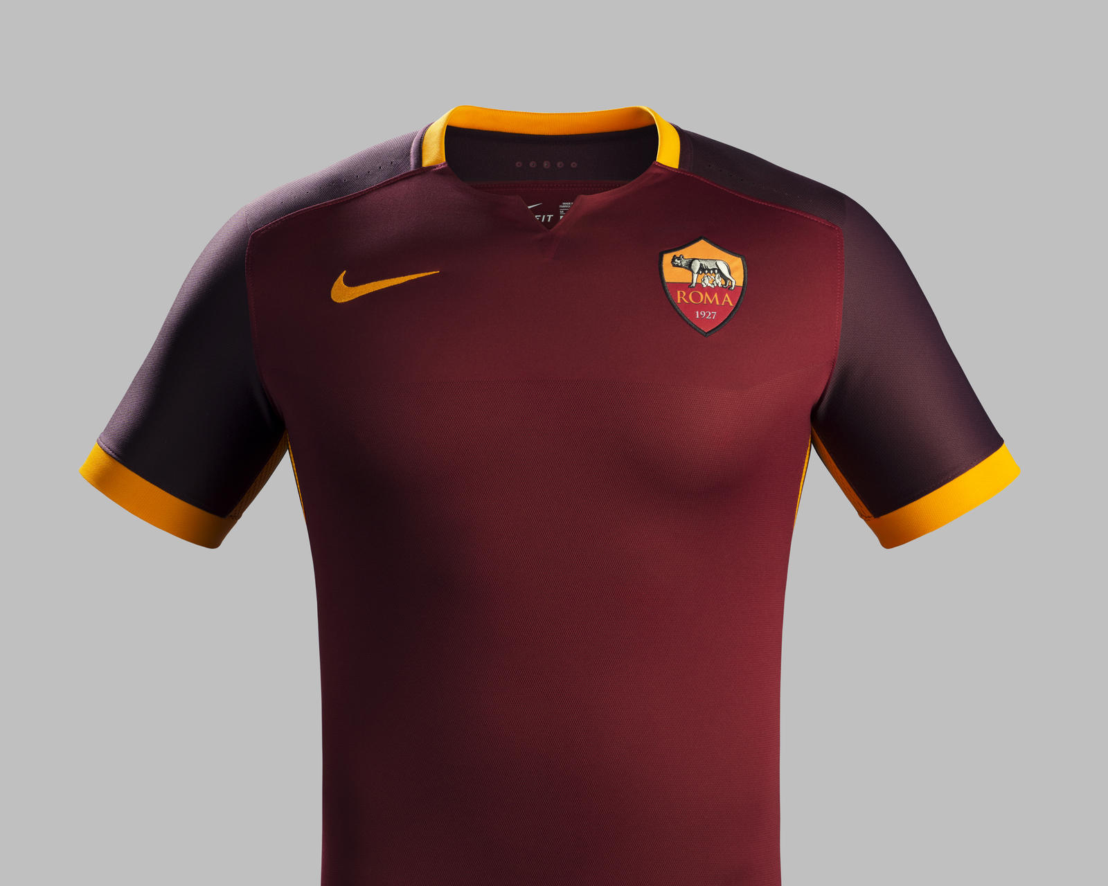 Fa15_Club_Kits_PR_Match_Front_H_AS Roma_R