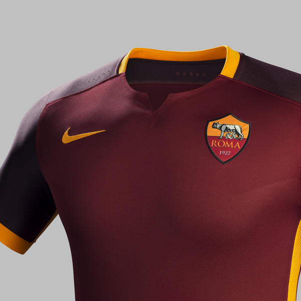 Fa15_Club_Kits_PR_Match_Crest_H_AS Roma_R