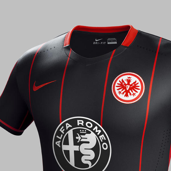 Eintracht Frankfurt Home Kit 2015-16