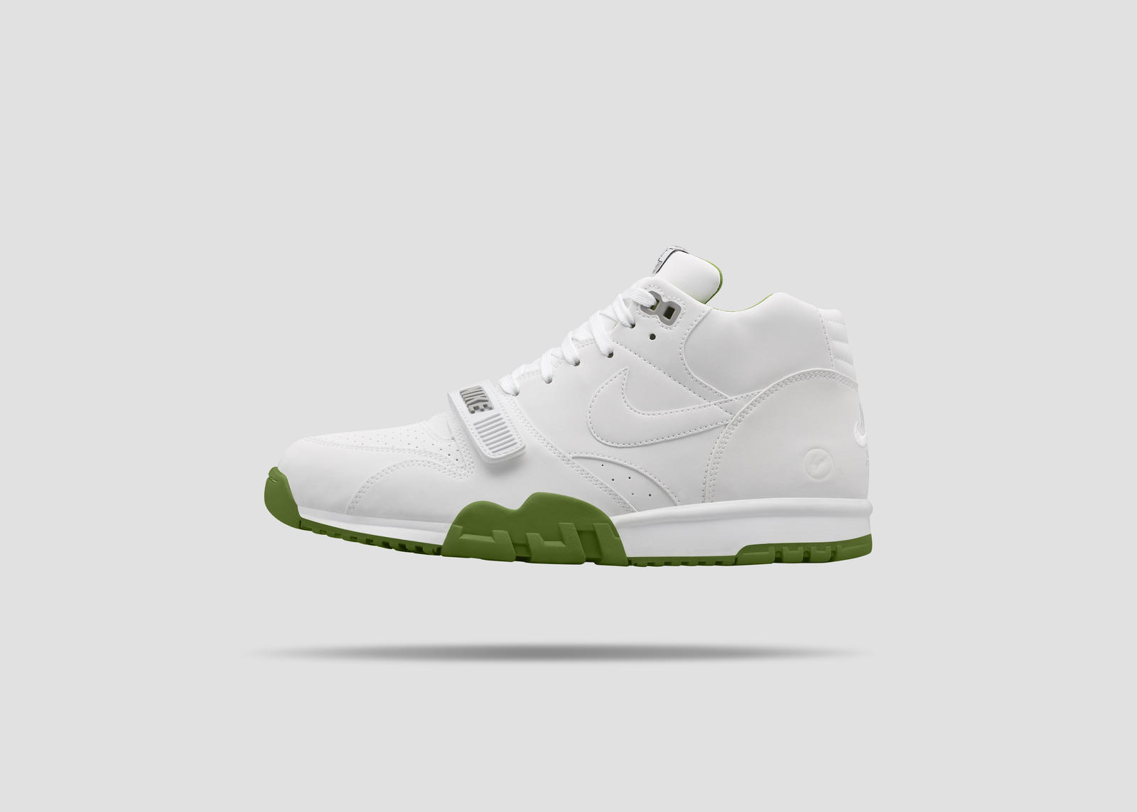Nikecourt air trainer 1 x fragment 1 rectangle 1600