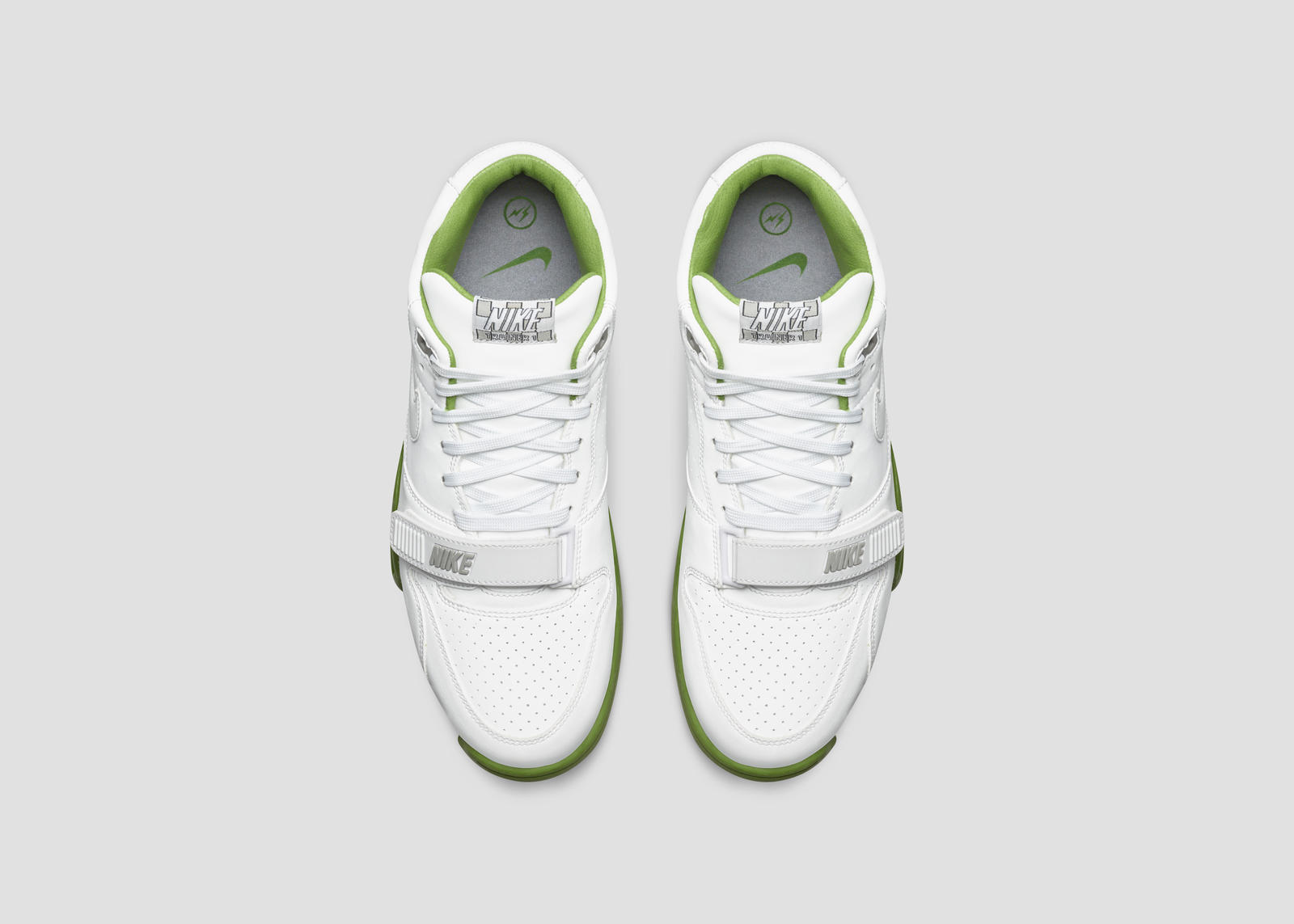 Nikecourt air trainer 1 x fragment 2 rectangle 1600