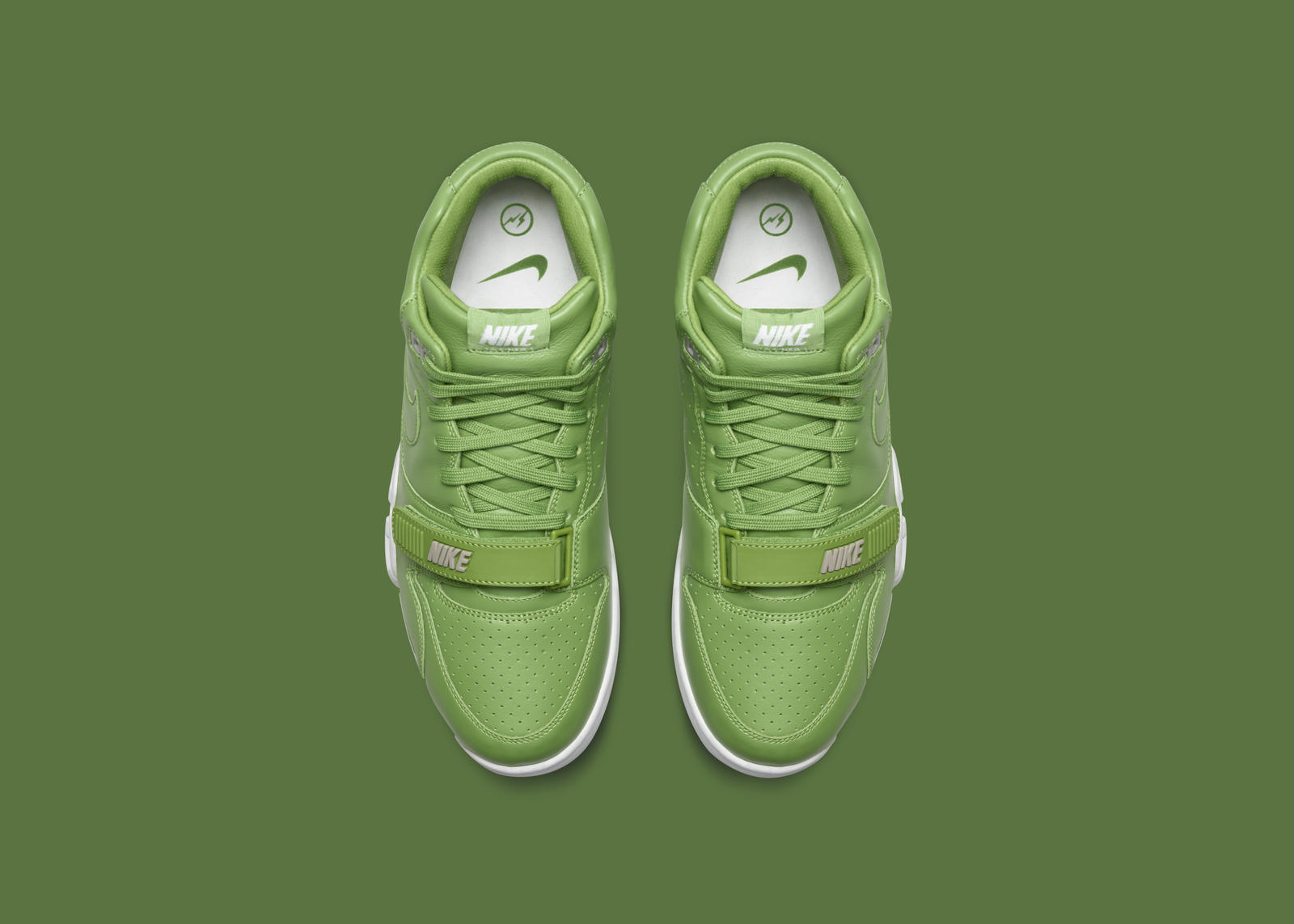 Nikecourt air trainer 1 x fragment 6 rectangle 1600