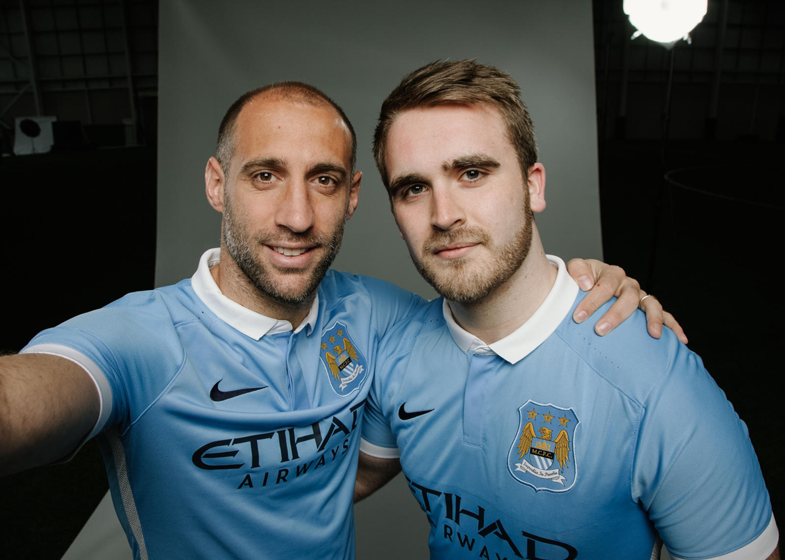 info for 506b4 204df Manchester City 2015-16 Home Kit Brings Nike Football ...