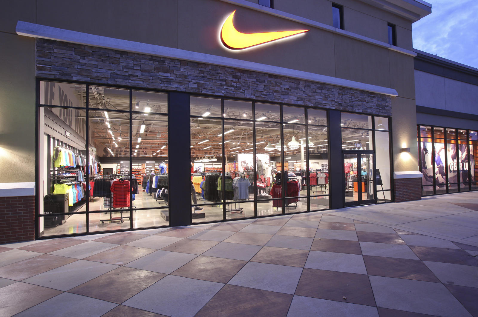 Nike Factory Store. This Nike Factory Store features 14, square feet of fabulous Nike shopping with store front parking. Follow deals for weekly offers. Discounts: Military, LBV Resort Village & Spa Employee, Disney Employee. Subject to Change. It is located at South Apopka Vineland Road also known as State Road