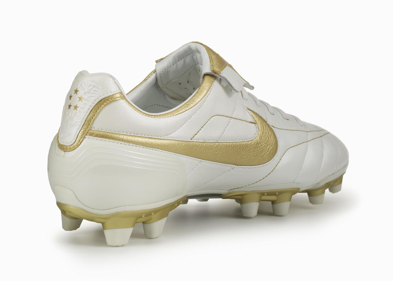 finest selection 3cb27 fecb3 nike tiempo legend v ronaldinho