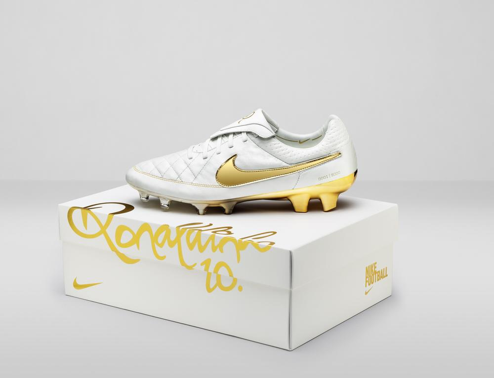 "Tiempo Legend ""Touch of Gold"" Returns"