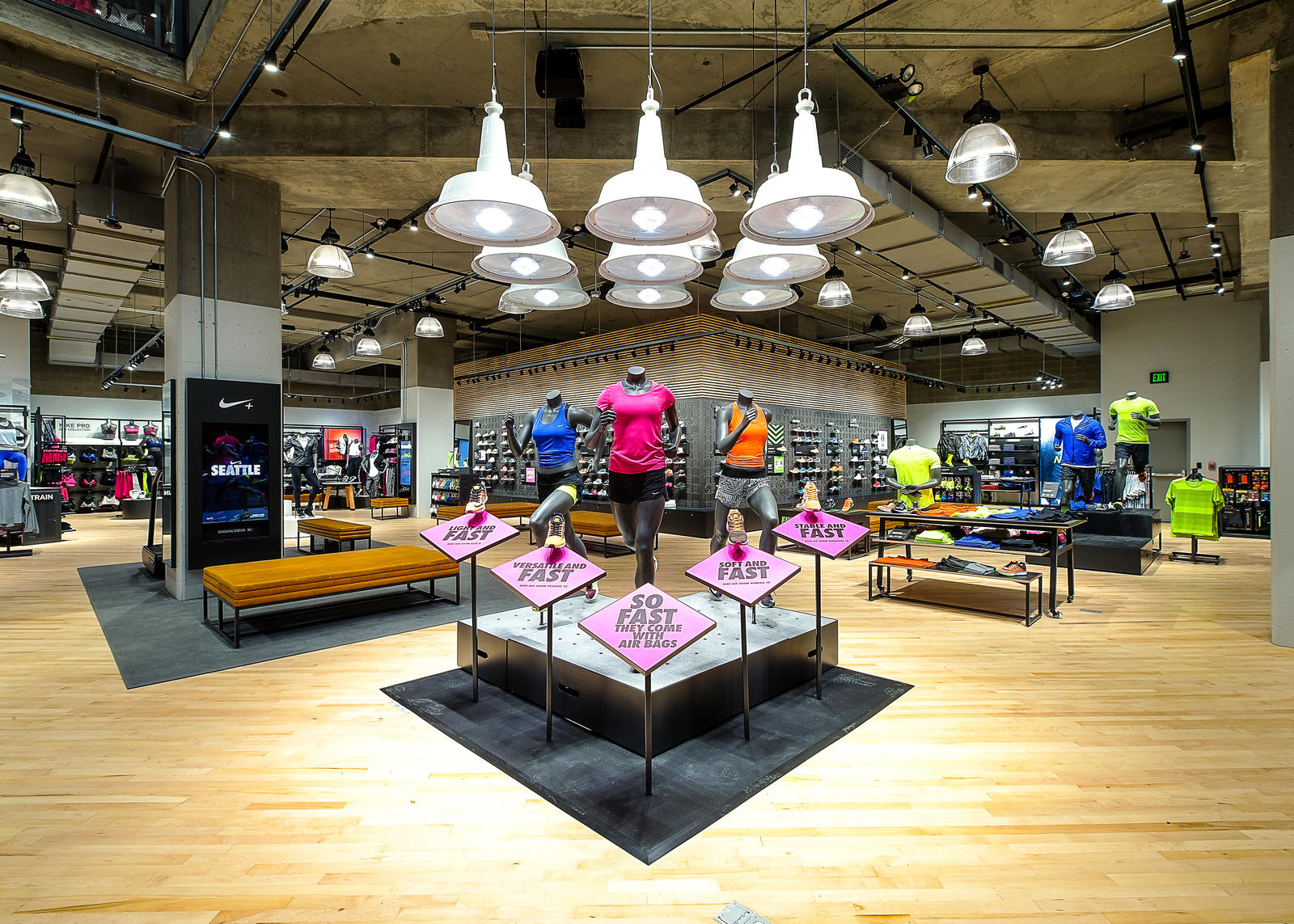 Nike seattlereopeningbeautyshots 7.29.15 9 rectangle 1600