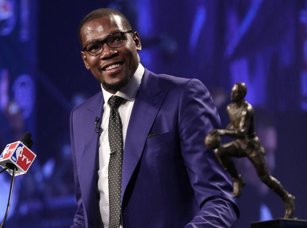 KD8 Suit Shoe Celebrates MVP Honor