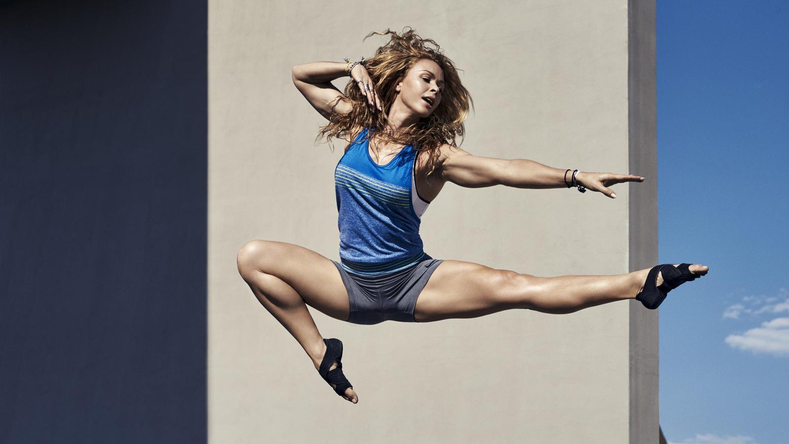 Nike Women Alex Hipwell3