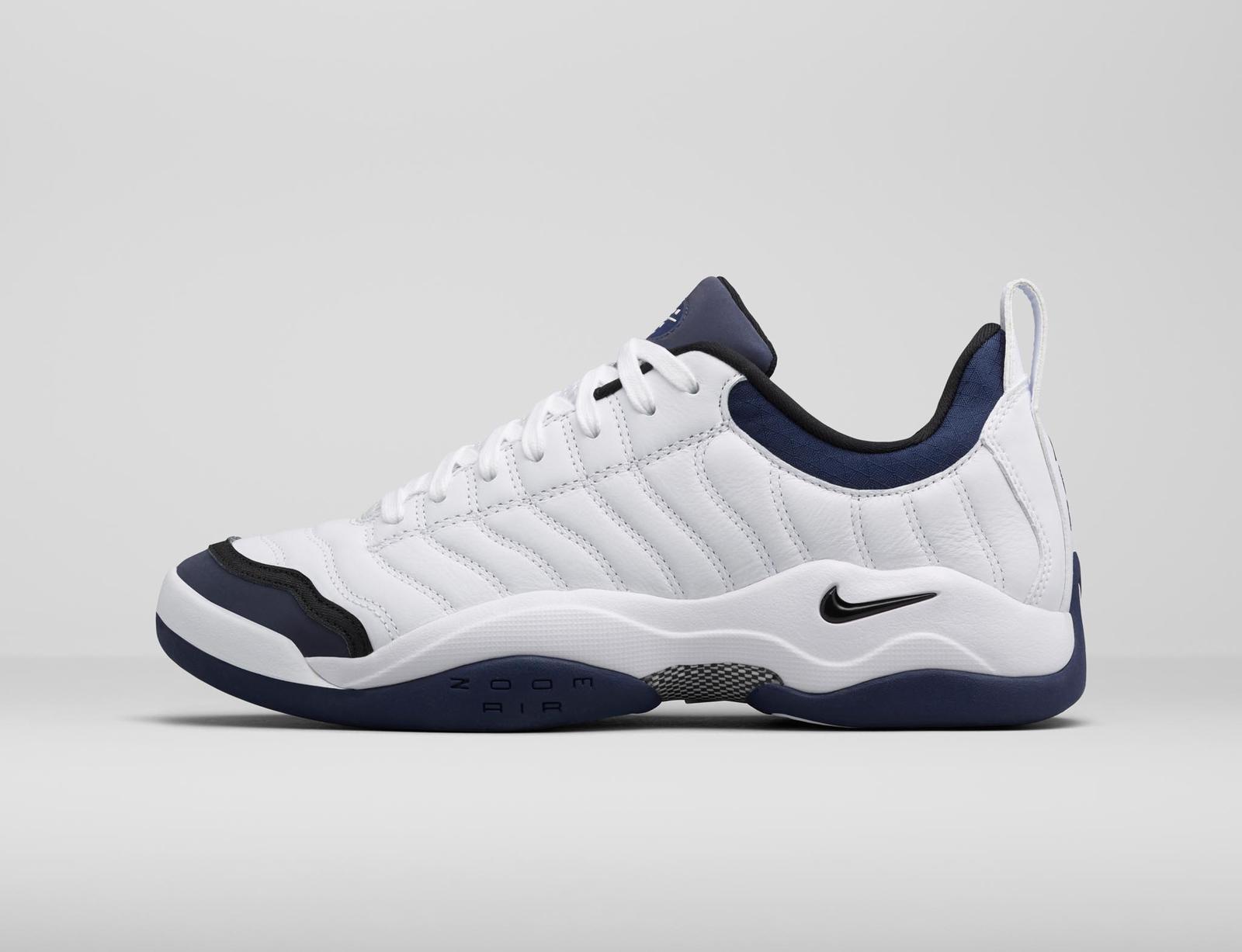 Nike Oscillate Tennis Shoes