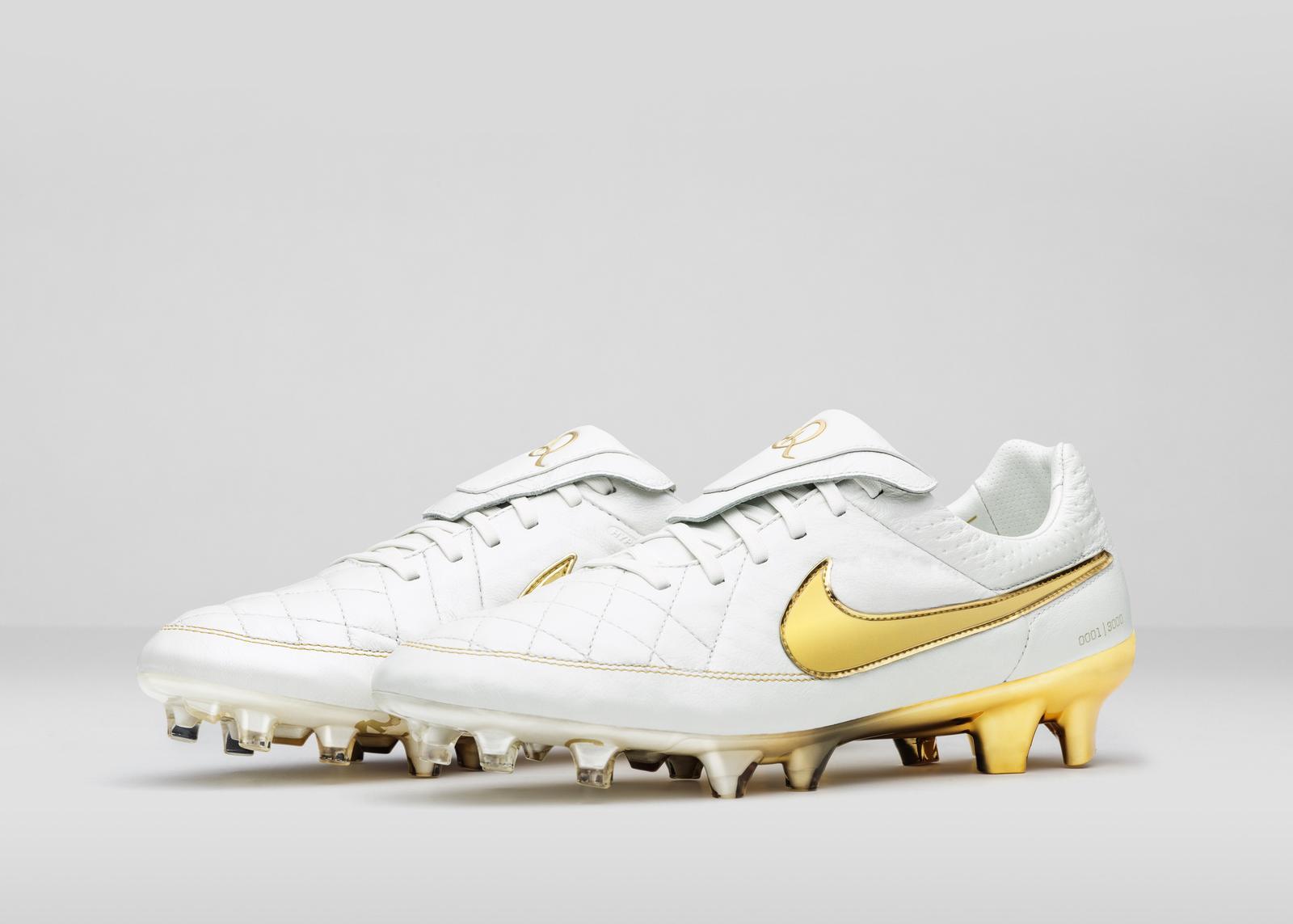 Nike Football Ronaldino Tiempo Gold R Pair Original Porto
