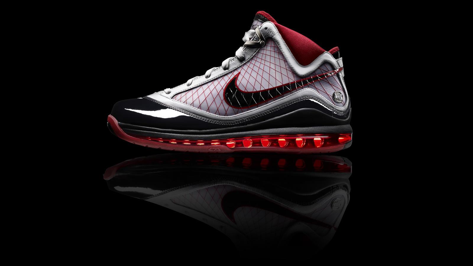 the latest 745aa 9b240 Nike, LeBron James introduce the Air Max LeBron VII - Nike News