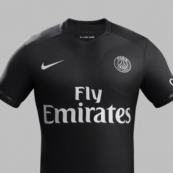 nike dark light o poderoso uniforme preto do paris saint germain nike news. Black Bedroom Furniture Sets. Home Design Ideas