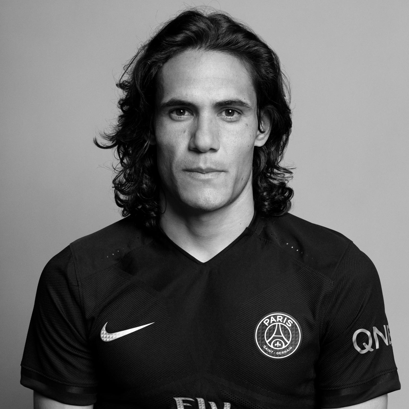 Psg darklight cavani01 0011 original original porto square 1600