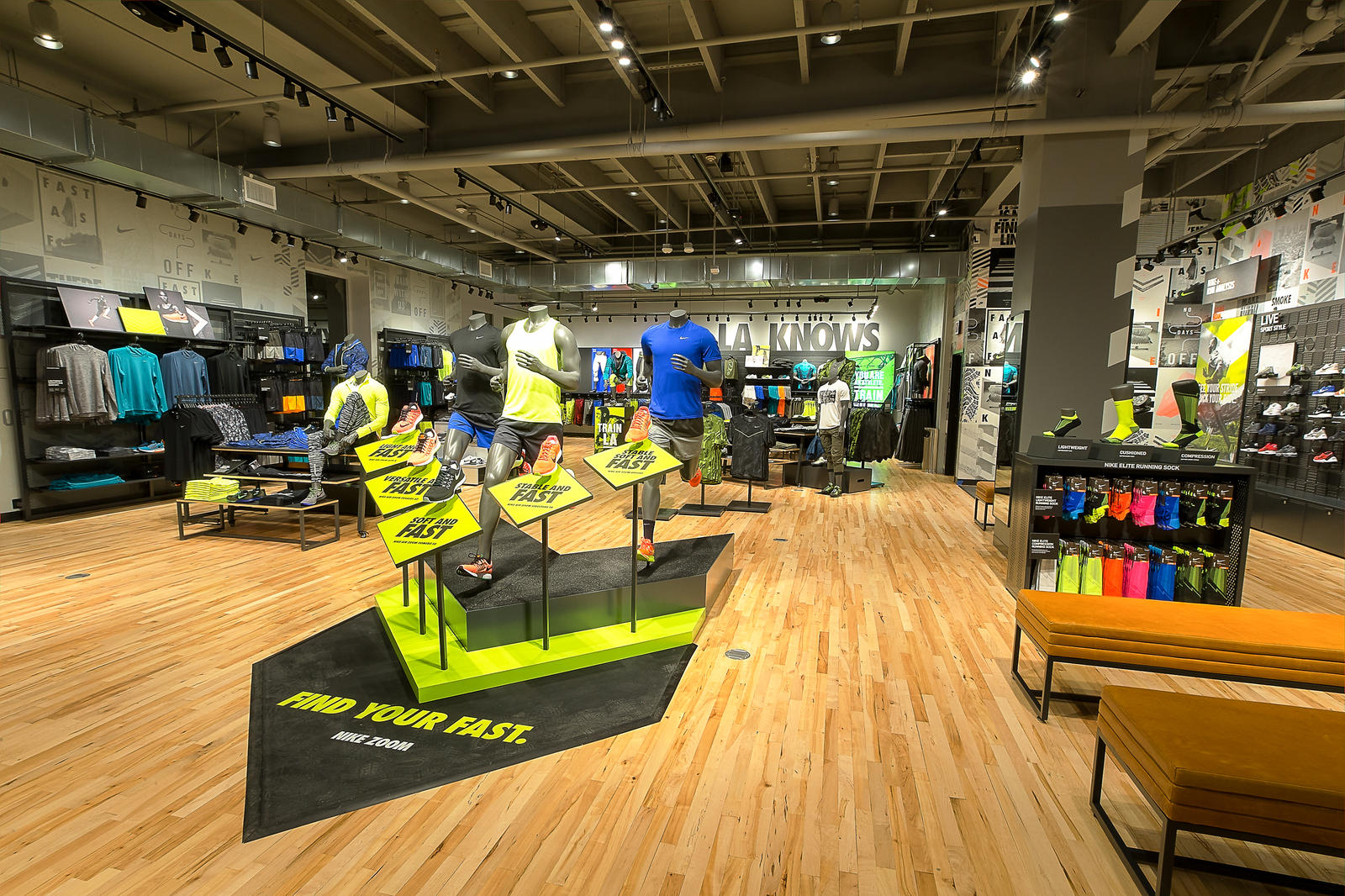 nike-store-the-grove-running