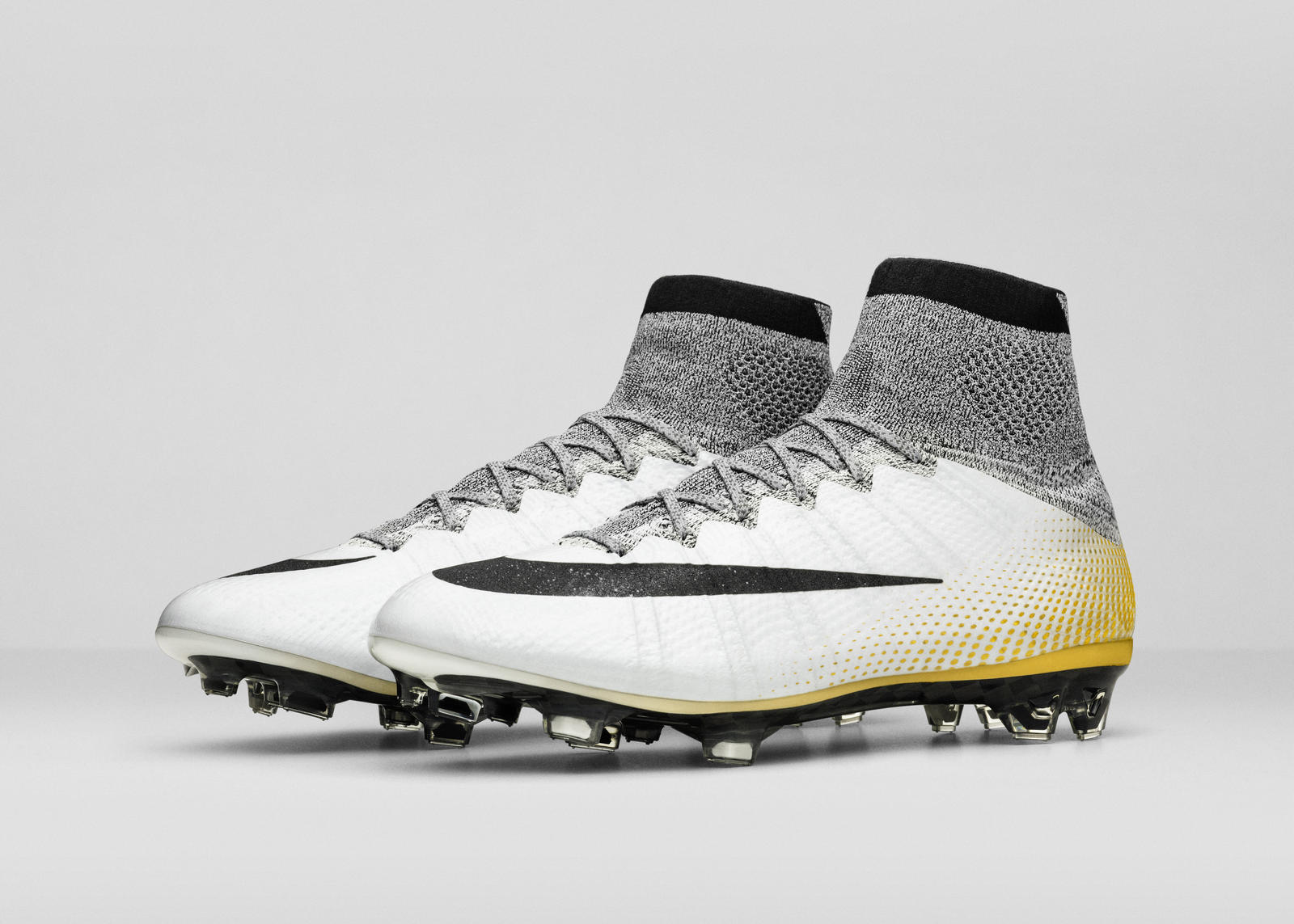 Nike Superfly Cr7 Gold Pair View 06 V2
