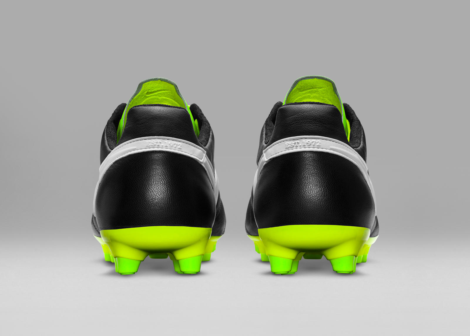 HO15_FB_TIEMPO_LEGEND_PREMIER_SE_BLACK_WHITE_ELECTRIC_GREEN_F_PREM