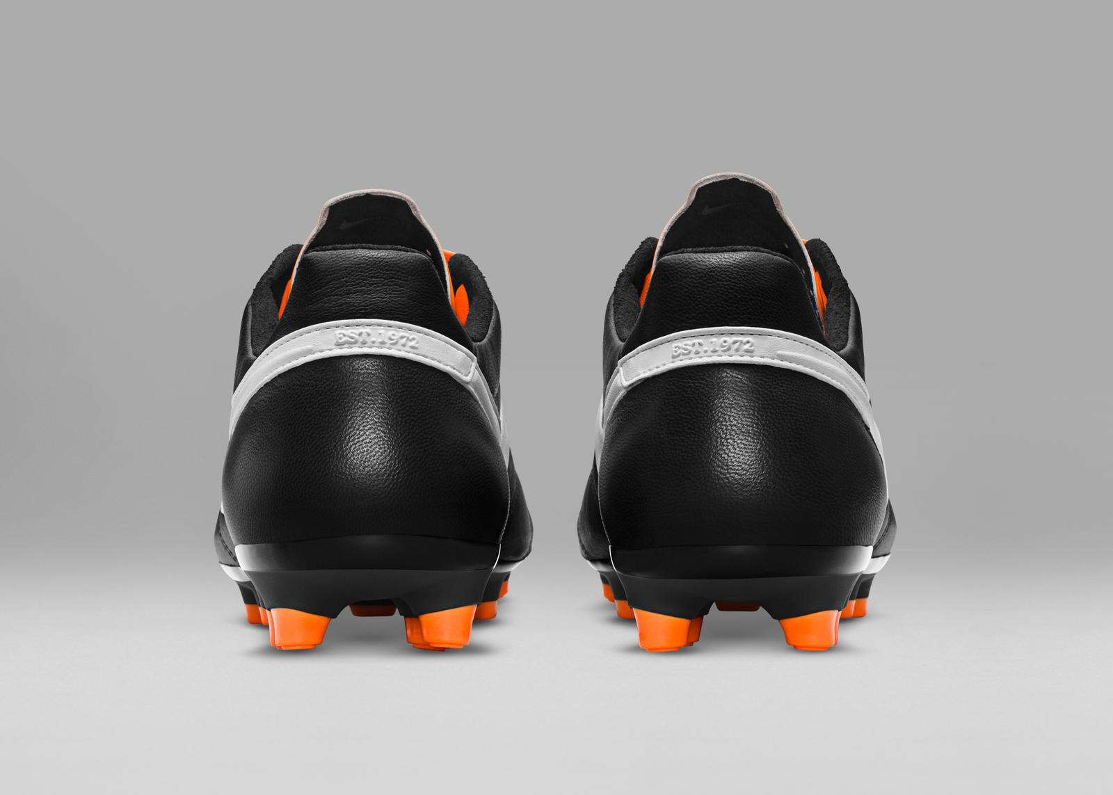 HO15_FB_TIEMPO_LEGEND_PREMIER_SE_BLACK_WHITE_TOTAL_ORANGE_F_PREM