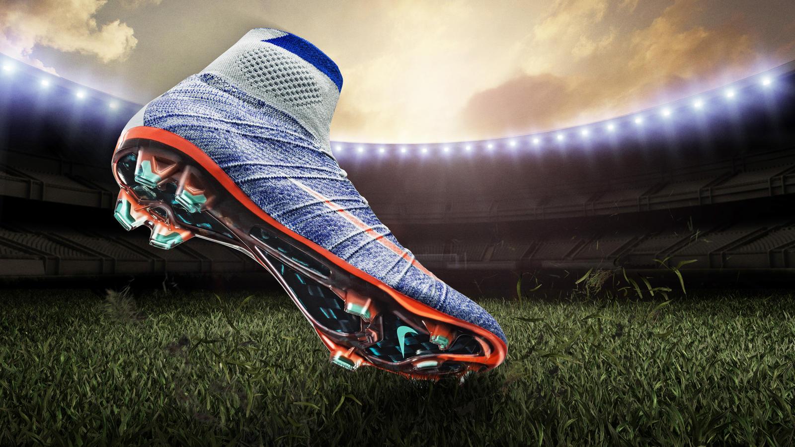e63365bb204c5 إذا كنت تفضل ممارسة كرة القدم على ملاعب النجيل الطبيعي فلا بد لك من شراء  الحذاء الرياضي الذي يحتوي نعله على الزيادات البارزة التقليدية؛ حتى توفر لك  الثبات ...