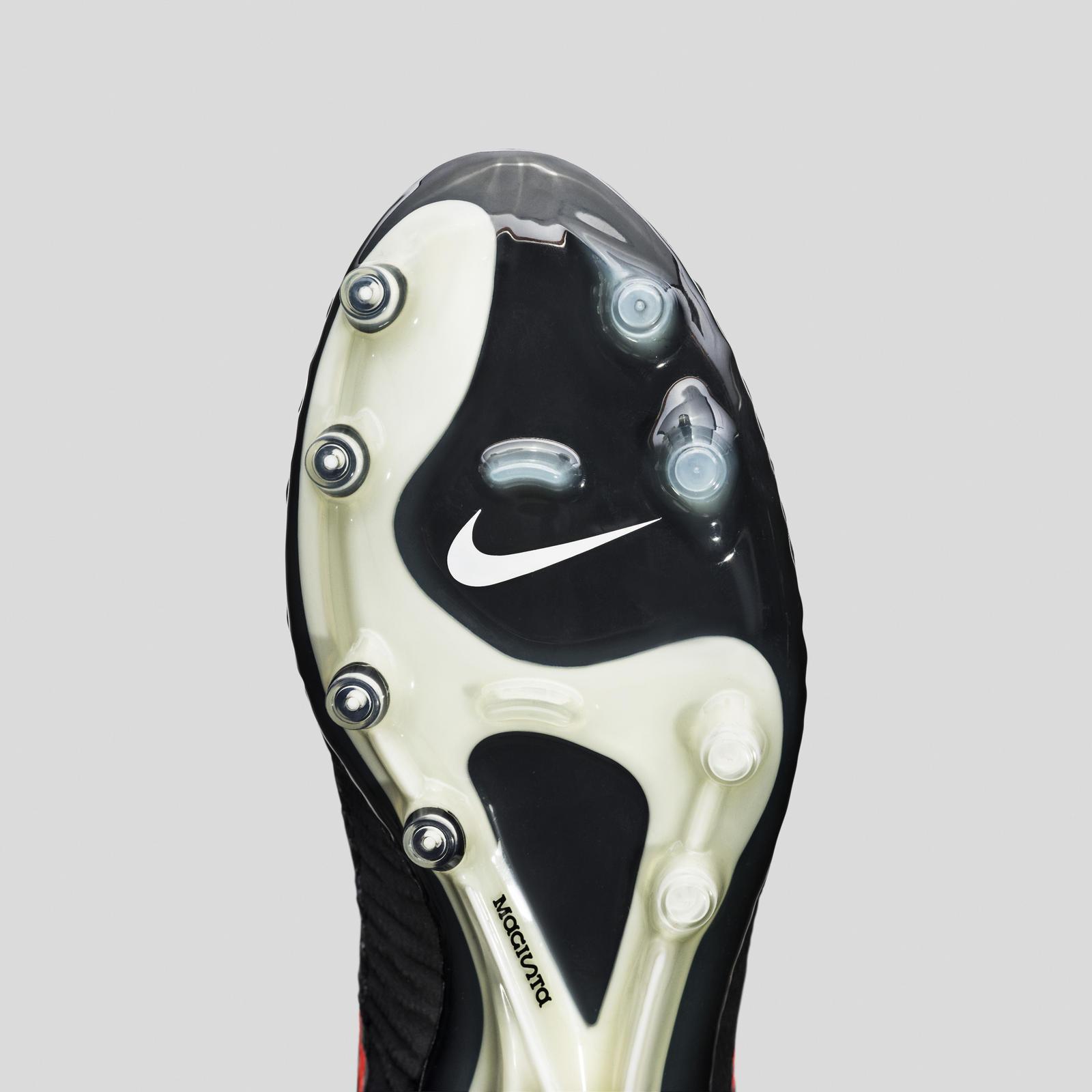 Nike Glbl Football Wmns Sp16 Mgsta Obra Plate