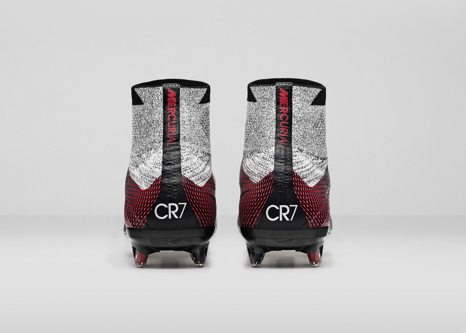 Nike_SP16_Superfly_CR7_slvr_HEEL_view_07