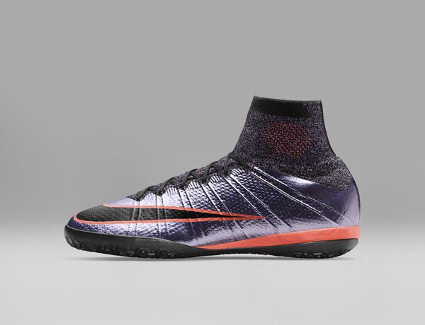 Nike Football Liquid Chrome Pack