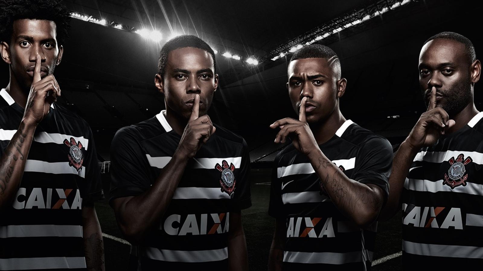 Fala pouco. Joga muito  Corinthians celebra o hexa com novo uniforme ... ad30cf5931054